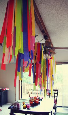 12 Festive Ways To Decorate With Streamers Birthday