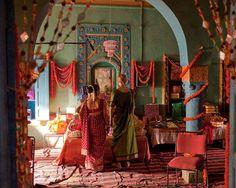 Julia Roberts in Eat Pray Love Elizabeth Gilbert, Romantic Room, Romantic Movies, Peace Love And Misunderstanding, Eat Pray Love Movie, Come Reza Ama, Nanny Mcphee, Girl Struggles, Bali