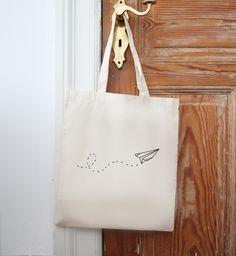 Jutebeutel Papierflieger // tote bag, paper plane by EULENSCHNITT via DaWanda.com