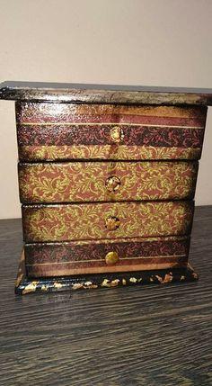 Decoupage, Decorative Boxes, Antiques, Diy, Furniture, Home Decor, Antiquities, Antique, Decoration Home