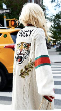 Today we are going to make a small chat about 2019 Gucci fashion show which was in Milan. When I watched the Gucci fashion show, some colors and clothings. Gucci Fashion Show, Look Fashion, Winter Fashion, Japan Fashion, India Fashion, Street Fashion, Gucci Outfits, Fashion Outfits, Womens Fashion