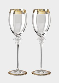 Medusa D'or Red Wine Glass Set by Versace Home. Glass is a mysterious material, made for the fantastic worlds of Versace. Hard, and yet fragile, transparent, and yet reflective. Casa Versace, Versace Home, Crystal Uses, Glass Crystal, Crystal Glassware, Crystals Uk, Home Luxury, White Wine Glasses, Silver Teapot