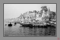 River Ganga in Varanasi.  #GF670 #thefindlab #FIND #mastinlabs #istillahootfilm #ishootfilm #flimsnotdead #120film #mediumformat #fujifilm #ZSEpanel #ZoneSystemPanel #ZoneSystemExpress #ilford