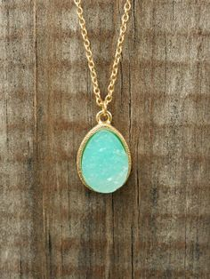 Sparkling Lake Druzy Necklace from deloom. Saved to Clothing. Shop more products from deloom on Wanelo. Jewelry Box, Jewelery, Jewelry Accessories, Fashion Accessories, Fashion Jewelry, Vintage Inspired Outfits, Classy And Fabulous, Diamond Are A Girls Best Friend, Passion For Fashion