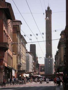 Via Ugo Bassi nel Bologna, Emilia-Romagna