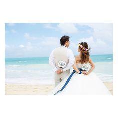 2016.10.29  @eymwedding さんのフォトプロップスは…可愛いのに大人っぽくて…✨ 大人婚の私たちでも躊躇なく持つことが出来ました✨✨ *  お気に入りのフォトアイテム  #フォトプロップス#ビーチフォト#ワイマナロビーチ#ハワイ挙式#大人婚#家族婚#年の差婚#海外挙式#リゾ婚#ハワイ婚#グロリアブライダル #ハクレイ#ちぴドレス#サッシュリボン#mokuba #ハワイフォト#ウェディングフォト #カメラマンデータ#ウェディングニュース#marry花嫁#ちーむ1029#eymwedding#yy_hawaii_wd