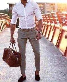 hit the gym after work // gym bag // mens fashion // urban men // boys // city life // metropolitan //