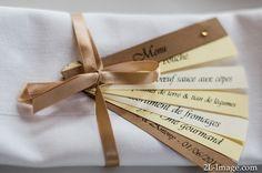 L'égérie du bonheur - créatrice d'émotions: Lin, taupe, kraft et une touche de doré - Mariage au chateau de Mousens (31) Crazy Wedding, Wedding Art, Wedding Menu, Wedding Paper, Wedding Programs, Wedding Signs, Wedding Table, Wedding Invitations, Wedding Ideas
