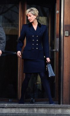 🔱Date /info updated: November Princess Diana in a black military style suit. Princess Diana in a black double-breasted metallic buttons, military style suit, black Dior bag. Princess Diana Fashion, Princess Diana Pictures, Princess Diana Family, Princess Of Wales, Diana Son, Lady Diana Spencer, Queen Of Hearts, Celebrities, Outfits