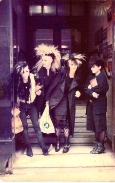 Leeds area, goth teens mid 80s. #WesternFashion #WesternUniverse #albpinczo