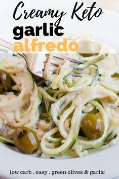 Creamy Keto Garlic and Green Olive Alfredo Recipe - This low carb alfredo sau. Sauce Recipes, Pork Recipes, Lunch Recipes, Diet Recipes, Pasta Recipes, Diabetic Recipes, Garlic Alfredo Recipe, Keto Alfredo Sauce, Shirataki Noodles