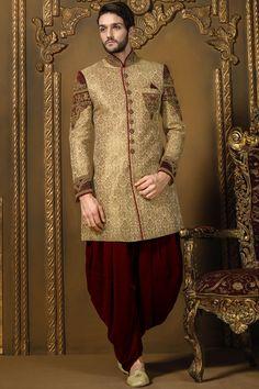 Samyakk Golden & Maroon Velvet Sherwani @Looksgud.in #Samyakk, #Golden…