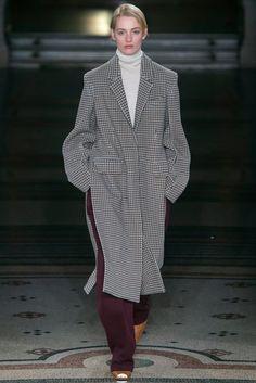 STELLA McCARTNEY(ステラ マッカートニー) 2017-18秋冬プレタポルテコレクション ランウェイ