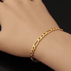 Ce bracelet en maille alternée vous sublimera.