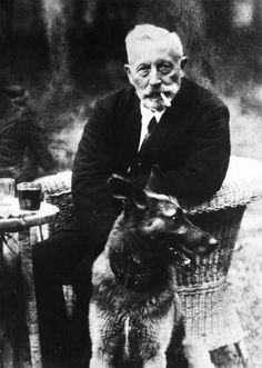 Ex-Kaiser Wilhelm II at the age of with his dog in exile in Doorn, Holland. Wilhelm Ii, Kaiser Wilhelm, Reine Victoria, Queen Victoria, World War One, Dogs Of The World, German Royal Family, King Of Prussia, Second Empire