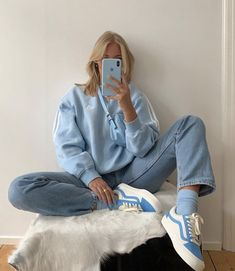 All blue outfit - vans - adidas sweater Baby Blue Aesthetic, Light Blue Aesthetic, Blue Aesthetic Grunge, Aesthetic Fashion, Aesthetic Clothes, Look Fashion, Urban Aesthetic, Ski Fashion, Fashion Women