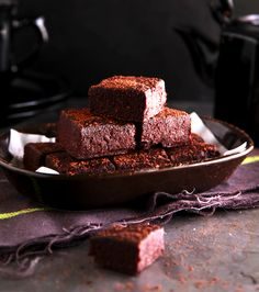 See Over 40 Healthy Sweet & Chocolate Recipes from the Lose baby Weight and healthy mummy team Chocolate Treats, Healthy Chocolate, Chocolate Fudge, Chocolate Recipes, Healthy Fudge, Healthy Sweet Treats, Healthy Sweets, Healthy Baking, Healthy Mummy