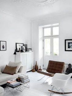 Black and white Apartment idea+sgn in Copenhagen Jesper and Majbritt