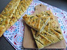 Mijn mixed kitchen: Içli örgü ekmek (zachte gevulde gevlochten broodjes)