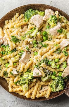 Super easy and still used a variety of fresh foods-Super quick and creamy chicken pasta recipe | More easy and kid friendly meals on hellofresh.com Tagliatelle, Linguine, Pasta Recipes, Dinner Recipes, Cooking Recipes, Easy Cooking, Dinner Ideas, Kid Friendly Casserole, Kid Friendly Meals