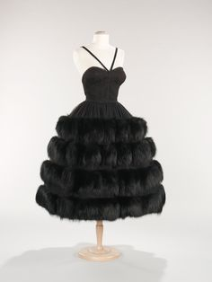 Norman Norell. 1958. The Costume Institute. Brooklyn Museum Costume Collection. Metropolitan Museum of Art.