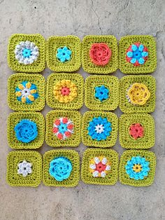 Little Bitties 4x4 squares  ~ free pattern