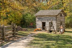 Fossebrekke farm in the Norwegian area during Fall season. Log Cabin Exterior, Log Cabin Living, Village Photography, Cabins In The Woods, Old West, Log Homes, Old World, New England, Beautiful Homes