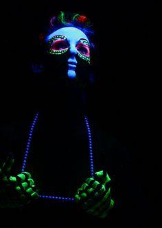 Art Body Paint Black Light