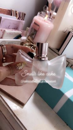 ♡Breakfast at Avery's♡ Perfume Scents, Perfume Bottles, Perfume Organization, Body Hacks, Best Perfume, Perfume Collection, Skin Makeup, Gabriella Demartino, Skincare