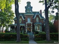 Hochelaga Inn - Kingston, Ontario Kingston Ontario, Quebec City, Come And See, Beautiful Architecture, Banff, Victorian Homes, Family Life, Old Houses, Vancouver