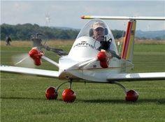 Cricri, cet avion est le plus petit du monde.