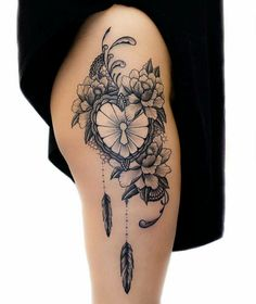 49 ideas for tattoo feather hip tatoo Feminine Tattoos, Girly Tattoos, Trendy Tattoos, Sexy Tattoos, Body Art Tattoos, Sleeve Tattoos, Lotusblume Tattoo, Lock Tattoo, Herz Tattoo