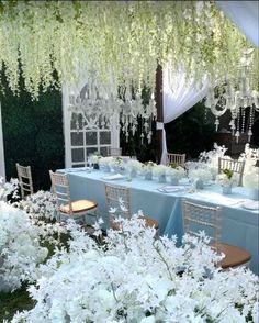 Wedding Decorations, Table Decorations, Throw A Party, Luxury Wedding, Special Events, Wedding Styles, All Things, Bridal Shower, Style Inspiration