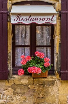 There is something about this stone that all the old cities are made of.  Monpazier, Dordogne, France