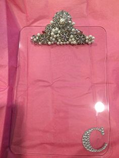"""End of year gift for teacher: """"Blinged out"""" clipboard w/ first initial personalization. Costume jewelry and a glue gun. - May 11 2019 at Shabby Chic Crafts, Vintage Crafts, Stylish Jewelry, Fashion Jewelry, Fine Jewelry, Jewelry Making, Clipboard Crafts, Wood Inlay Rings, Buy Jewellery Online"""