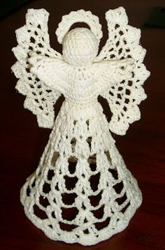Wings, halo, and body. I used size 10 white crochet thread, a steel 7 hook, whit. Crochet Christmas Ornaments, Holiday Crochet, Crochet Snowflakes, Angel Ornaments, Christmas Angels, Snowflake Pattern, Angel Crochet Pattern Free, Crochet Angels, Knitting Patterns Free