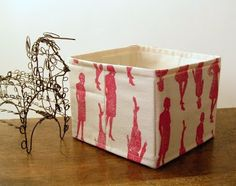 Jezze Prints: No-interfacing Storage Basket Tutorial  -- removable cardboard inserts