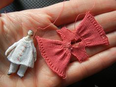 Knitting for a tiny doll - how to