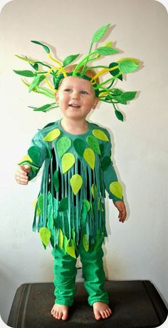 diy costumes Have you been really busy and couldn't find out your Halloween Costume? No worries, here are the easiest DIY Last Minute Halloween Costumes Ideas. Last Minute Halloween Costumes, Halloween 2019, Halloween Diy, Carnival Costumes, Diy Costumes, Pirate Costumes, Carnival Dress, Diy Carnival, Carnival Rides