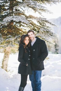 Cozy Snowy Engagement Session In Colorado - 004