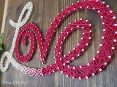 The best DIY projects & DIY ideas and tutorials: sewing, paper craft, DIY. DIY Valentine's Day Gifts : Who doesn't love this Love String Art Kit. In a matter of fact, show some love for this Love String Art! Diy Craft Projects, Craft Projects For Adults, Craft Kits, Craft Ideas, Diy Kits, Wood Projects, 31 Ideas, Valentines Bricolage, Valentine Day Crafts