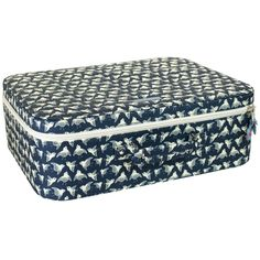 koffer 'birds' met stijlvolle print Outdoor Furniture, Outdoor Decor, Ottoman, Birds, Prints, Home Decor, Gym Bag, Cinch Bag, Travel Tote