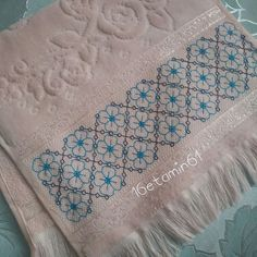 Swedish Embroidery, Blackwork Embroidery, Embroidery Patterns, Bargello Needlepoint, Needlework, Diy And Crafts, Mandala, Towel, Elsa