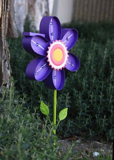 A solar LED Metal Marquee yard stake to brighten up your garden! Lights up automatically when the sun goes down.