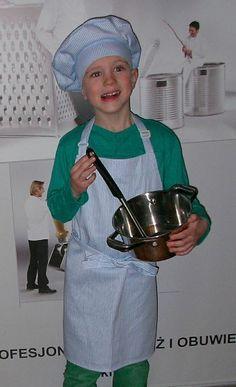 Fartuszek kuchenny. http://kitle.pl/odziez-dla-gastronomii-dla-kucharzy-gastronomiczna/fartuszki-czapki-kucharskie-dla-dzieci/fartuszek-kucharski-dla-dzieci.html