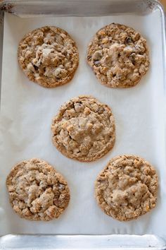 cap'n crunch, chocolate chip, oat, pb chip cookies made with glucose to make extra chewy Cookie Desserts, Just Desserts, Cookie Recipes, Dessert Recipes, Sweet Recipes, Real Food Recipes, Baking Recipes, Yummy Treats, Sweet Treats