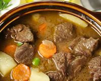 If you haven't used your crockpot for making stew before what are you waiting for this device is the perfect beef and pretty much any meat tenderizing device. Easy Stew Recipes, Chowder Recipes, New Recipes, Crockpot Recipes, Beef Stew Meat, Slow Cooker Beef, Beef Stew Ingredients, Tupperware Pressure Cooker, Microwave Recipes
