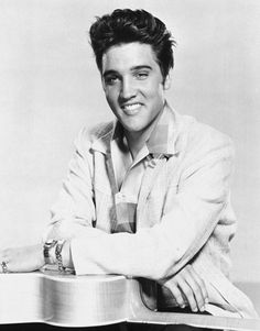 Shocking Pop Star Deaths: Elvis Presley: -- He was the King of Rock 'n' Roll, a sex symbol who fused rockabilly, gospel, ballads and pop. Heavy drug use and poor health led to his death at Graceland at age Lisa Marie Presley, Priscilla Presley, Elvis Presley Jeune, Elvis Und Priscilla, Rock N Roll, Happy Birthday Elvis, 80th Birthday, Elvis Presley Pictures, Young Elvis