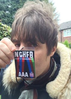 Liam Gallagher reignites his feud with brother Noel Noel Gallagher, Lennon Gallagher, Oasis Band, Liam And Noel, Band Wallpapers, Family Feud, Britpop, Sky News, Gorillaz