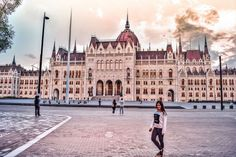 Ce poti face la Budapesta intr-o singura zi Budapest Hungary, Louvre, Building, Travel, Viajes, Buildings, Destinations, Traveling, Trips